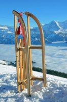 Holzschlitten oder Hörnerschlitten, der klassische Schlitten für Ihren Winterausflug